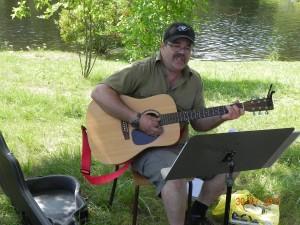 Morley plays songs at PurdyFest
